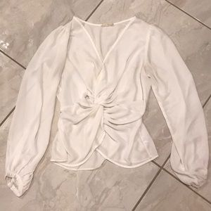White front knotted blouse 👚